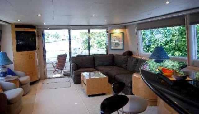 B Hive Charter Yacht - 5