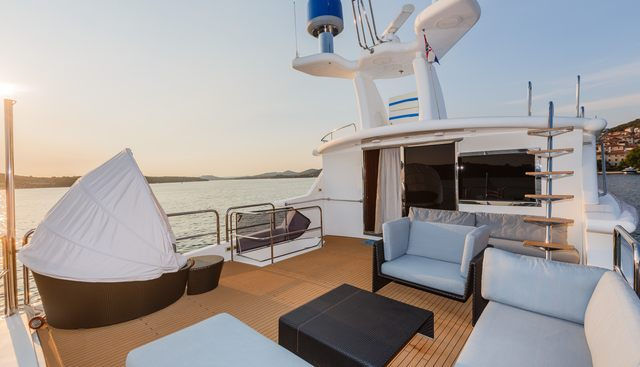 Johnson Baby Charter Yacht - 3