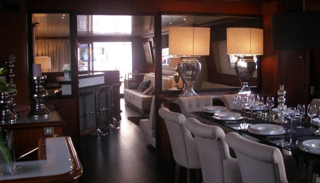 Queen South Charter Yacht - 7