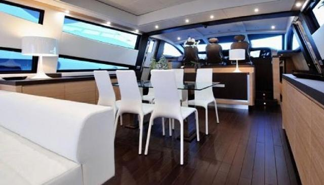 J & Li Charter Yacht - 5
