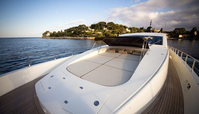 Blooms Charter Yacht - 2