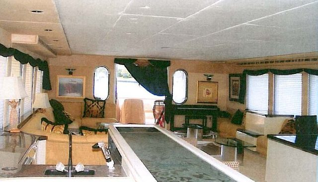 R Rendezvous  Charter Yacht - 4