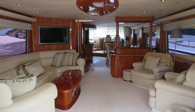 Manhattan 94 Charter Yacht - 7