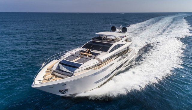 Pearl 95/ 03 Charter Yacht - 5