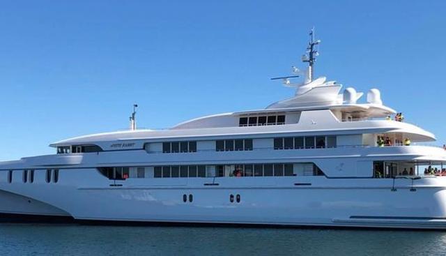White Rabbit Charter Yacht - 3
