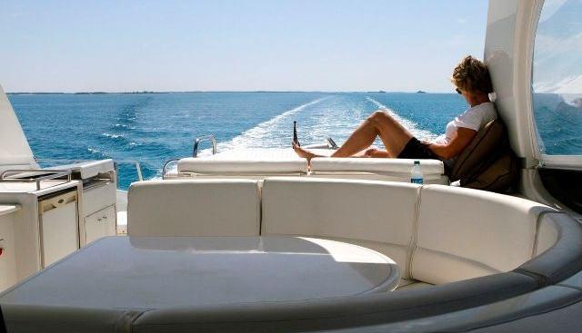 Companinship Charter Yacht - 4