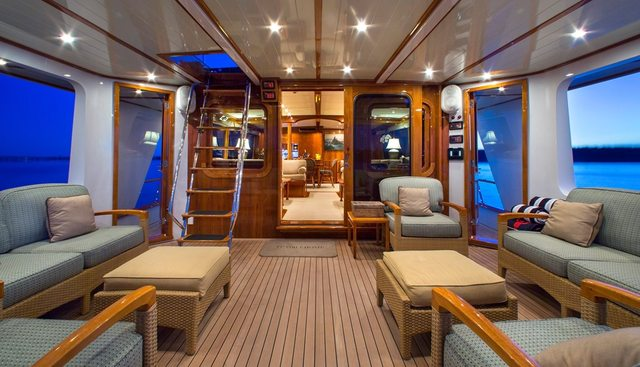 Tumblehome Charter Yacht - 4