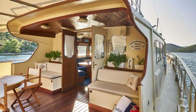 Play Fellow Charter Yacht - 4