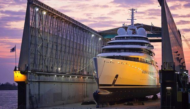 Azzam Charter Yacht - 2