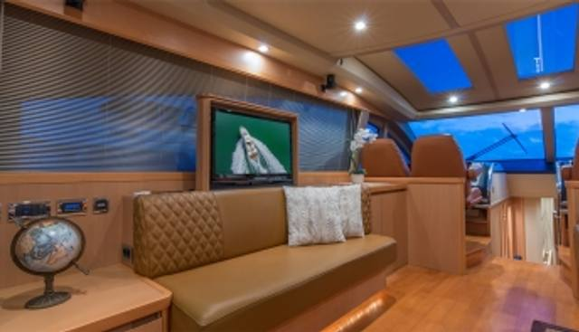 Divas Del Mar Charter Yacht - 3