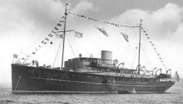Williamsburg Charter Yacht