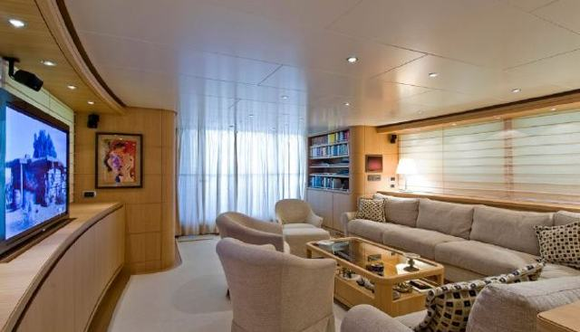 Fifth Avenue Charter Yacht - 5