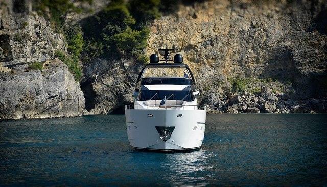 EM3 Charter Yacht - 3
