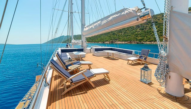 Bellamare Charter Yacht - 4