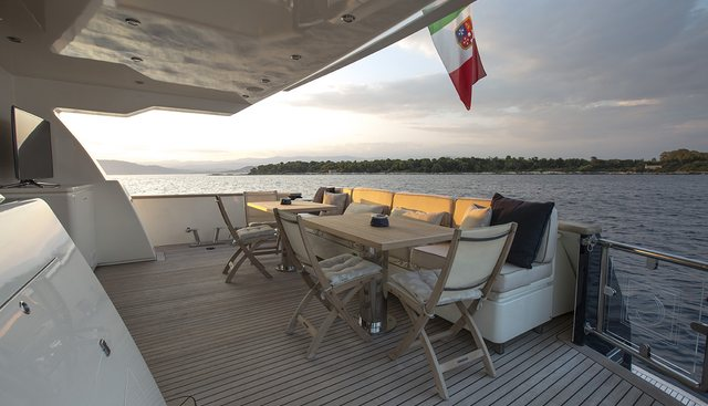 Cappuccino Charter Yacht - 4