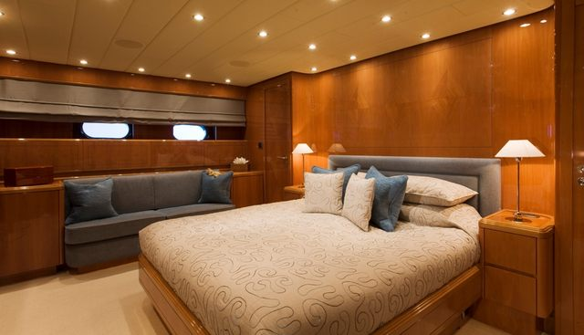 Bluebird of Happiness Charter Yacht - 7
