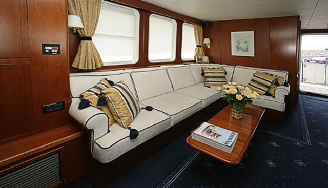 Devils Advocate Charter Yacht - 6
