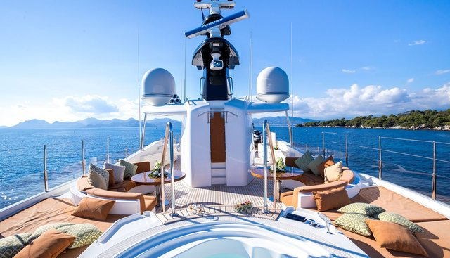 Avant Garde 2 Charter Yacht - 3