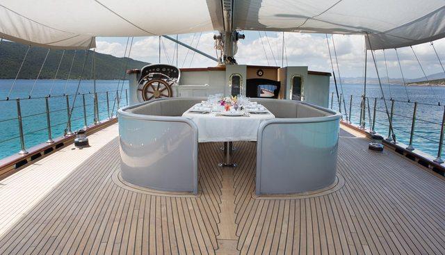 Le Pietre Charter Yacht - 2