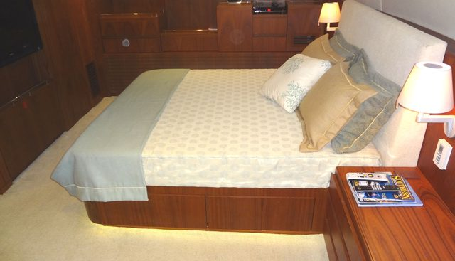 Vintage Charter Yacht - 8