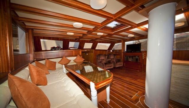 Mojo Charter Yacht - 7