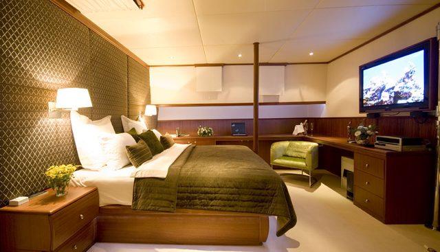 Papa Joe Charter Yacht - 7