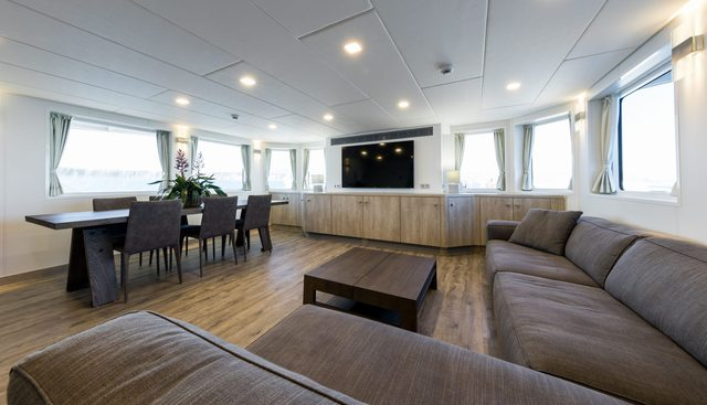 Axis Charter Yacht - 7