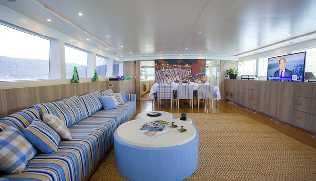 L'Aquila Charter Yacht - 6