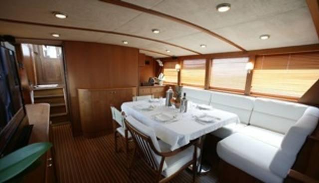 C5 Charter Yacht - 4