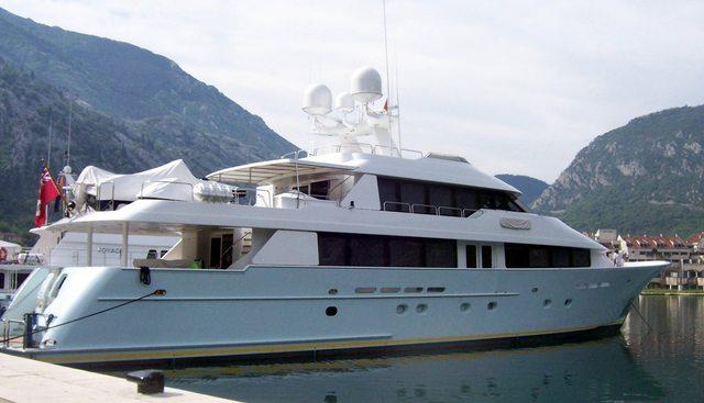 Azucar Charter Yacht - 3