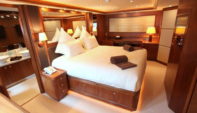 Moliver Charter Yacht - 8