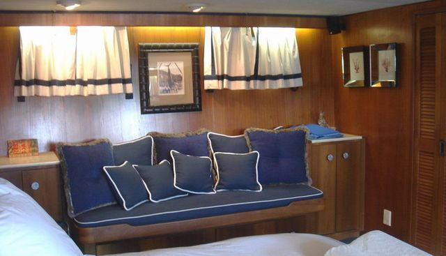 Alicia Charter Yacht - 3