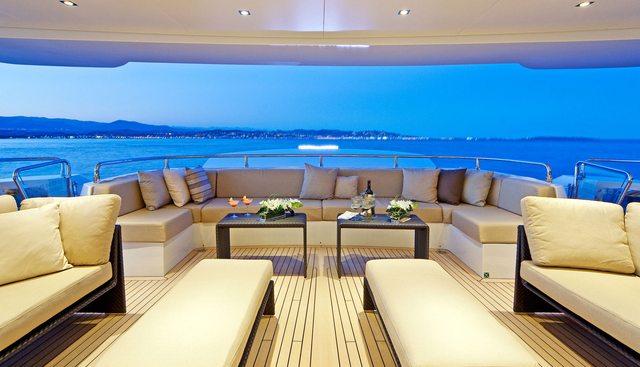 Manifiq Charter Yacht - 3