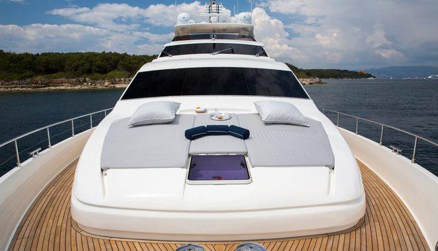 Porthos Sans Abri Charter Yacht - 2