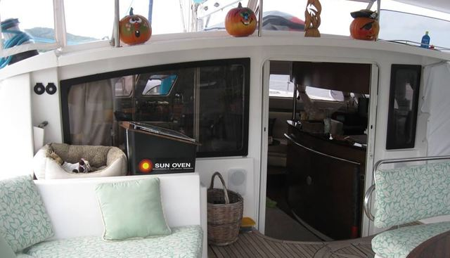 Delphine Charter Yacht - 7