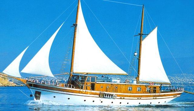 Albatros II Charter Yacht