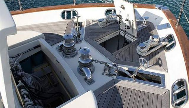 Love in Blue Charter Yacht - 4