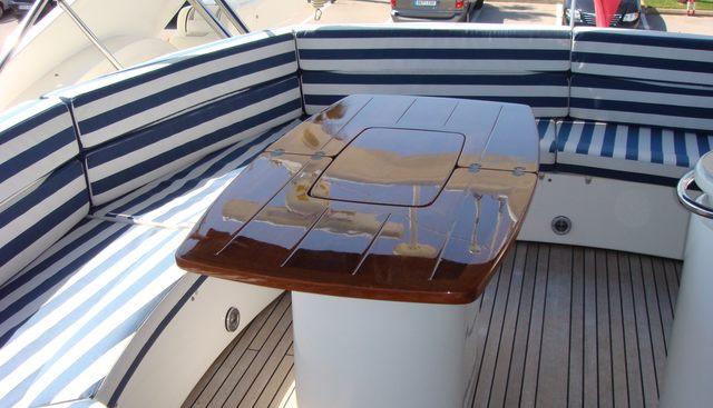 Papa G Charter Yacht - 4