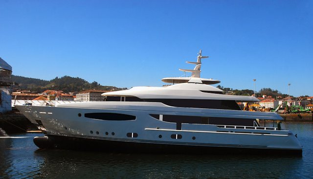 Follow Me V Charter Yacht - 2
