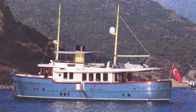 Larimar Charter Yacht