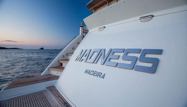 Madness Charter Yacht - 5