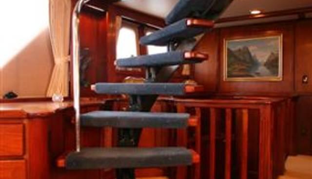 Guru Charter Yacht - 4