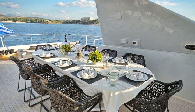 Obsesion Charter Yacht - 3