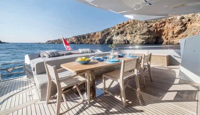 Eleven I Charter Yacht - 4