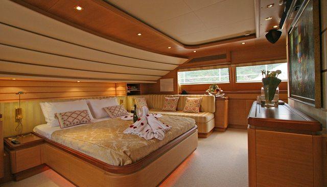 Pareaki II Charter Yacht - 3