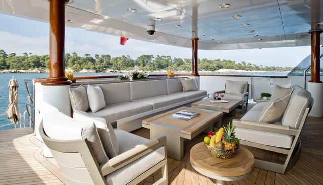 La Dea II Charter Yacht - 2