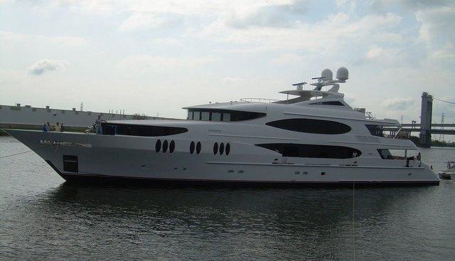 Lady Sura Charter Yacht - 2