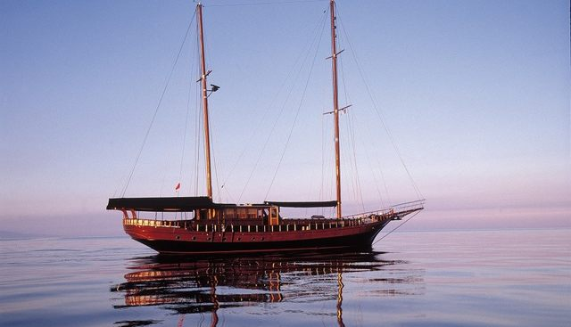Beluga One Charter Yacht