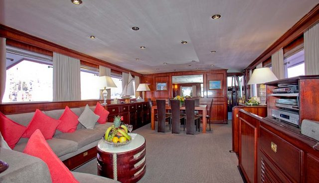 Lady Roxanne Charter Yacht - 8
