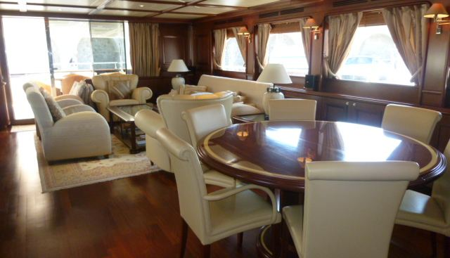Ferretti Custom Line 97' Charter Yacht - 5